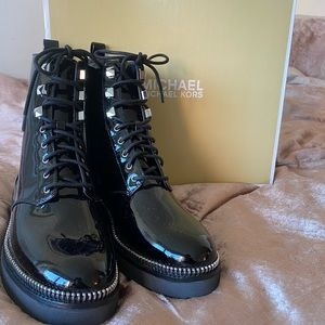 Michael Kors Haskell patent Bootie size 7.5